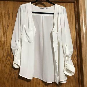 Tops - Beautiful white dressy button shirt